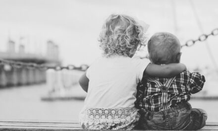 SIBLINGS: 5 Pleasant Effects of Growing Up With Them!