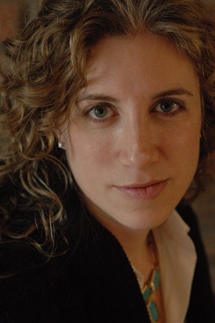The woman who makes it all look easy: Meet Hana Schank