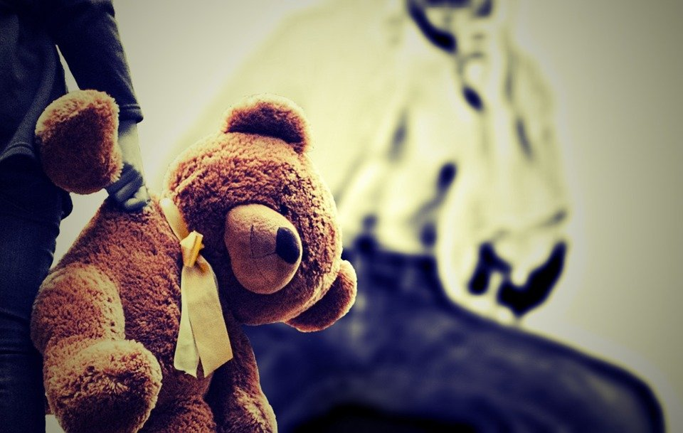 Child Sexual Abuse: Does it have to be touch? No, says this child psychologist