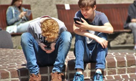 8 Tips to Limit Children's Use of Digital Devices