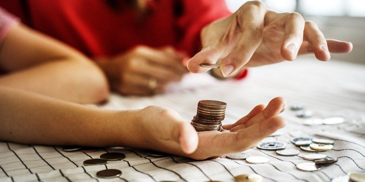 6 Simple Ways To Help Kids Build Smart Money Habits