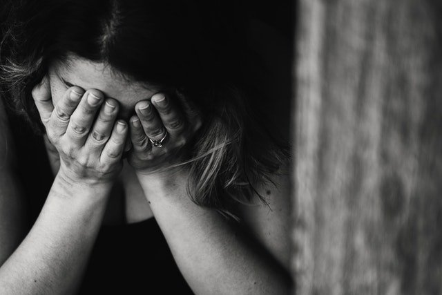 Moving Past Trauma: Tips and Advice from Grief and Trauma Specialist, Janine Naus.