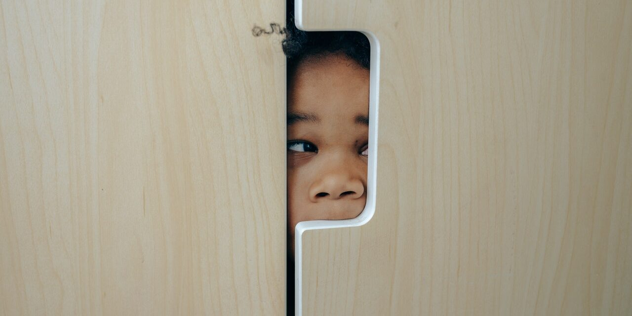 Latchkey Kids: 5 Must-Do Tips To Keep Them Safe at Home